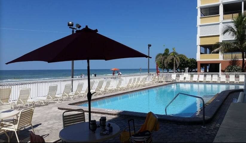 North Redington Beach FL- 2 Bed/2 Bath On Water