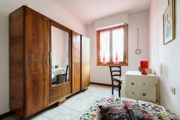Ampia stanza singola a due passi dalla Francigena
