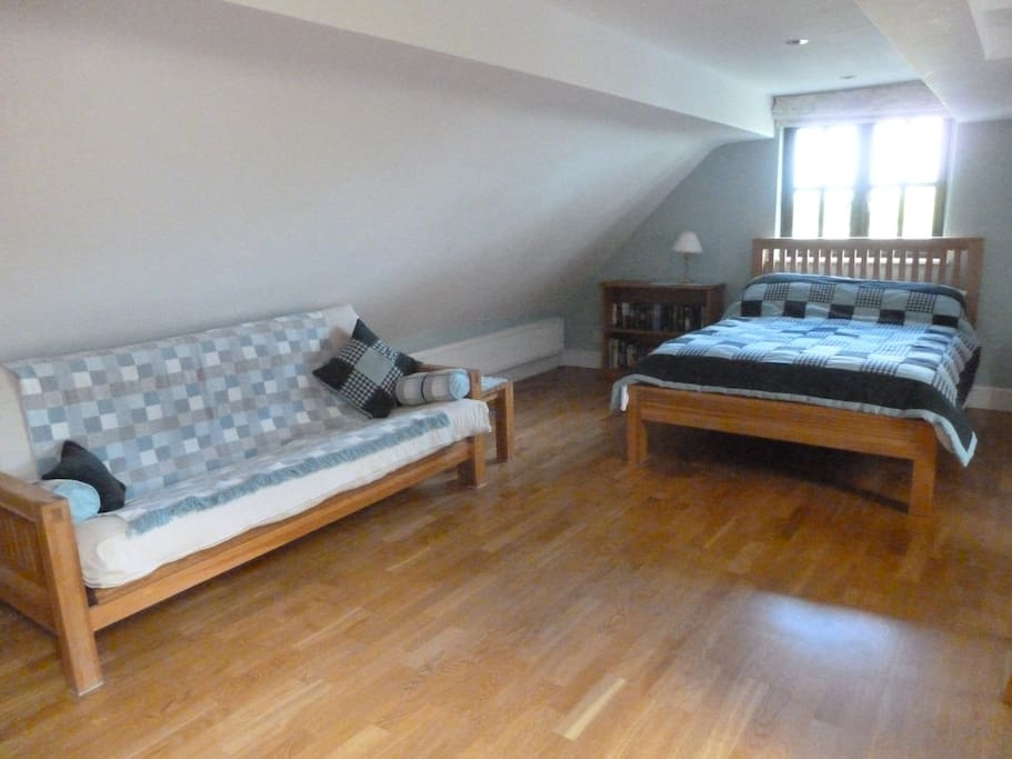 Double bed with settee