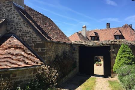 """""""Well Cottage"""" en Bourgogne"""