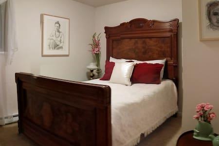 The Chelsea - East Lake Room - Huis