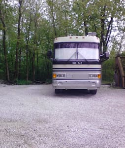 RV PARKING with full hookups - Dom