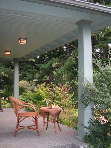 Lummi Island Retreat - Lummi Island - House