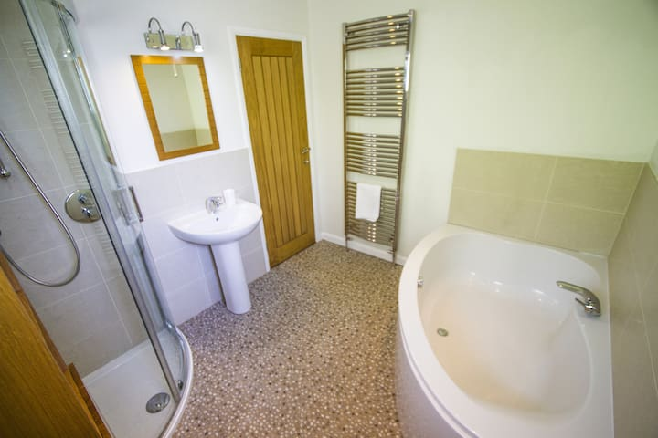 'Driftwood' is a 15 minute walk to Bantham beach. - Buckland - Appartement