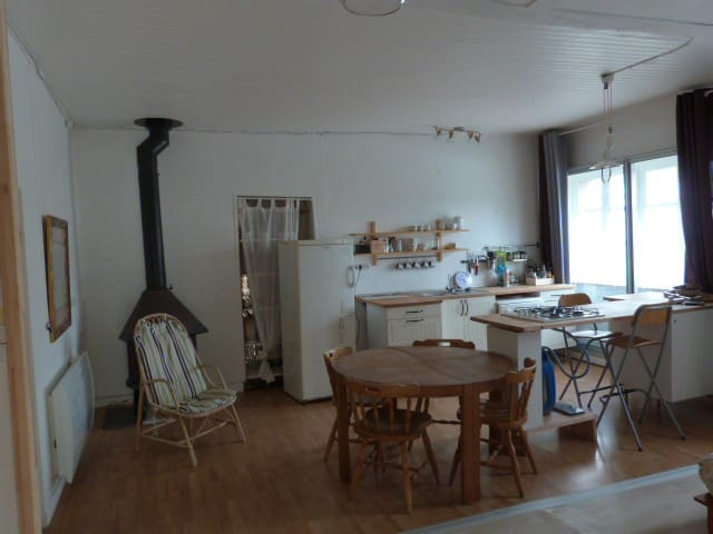 Belligné : studio avec veranda et jardin