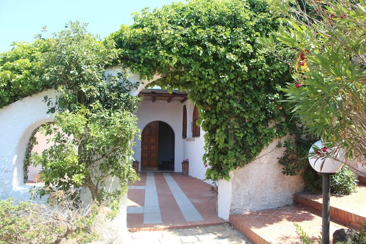 700m near the beach and panoramic view of the sea - Santa Teresa di Gallura - Inap sarapan
