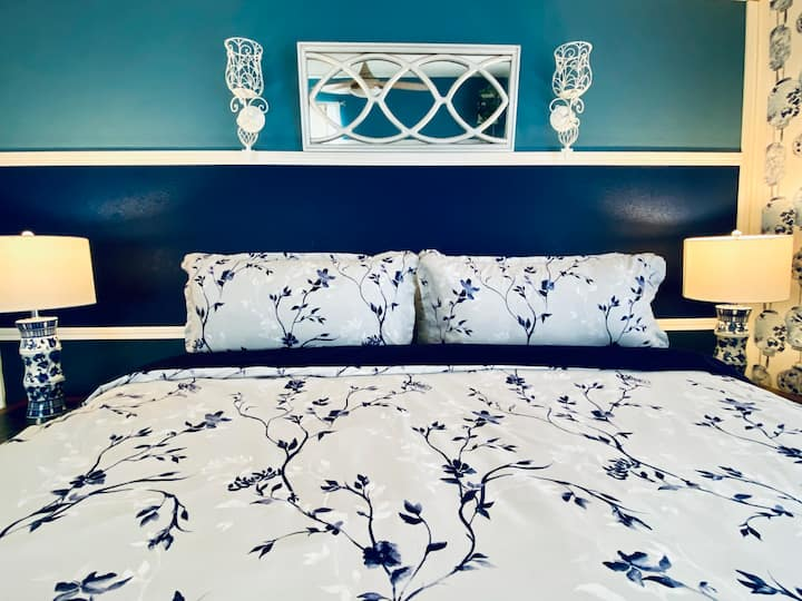 2 Chinoiserie Inspired EnSuites in Castle Rock