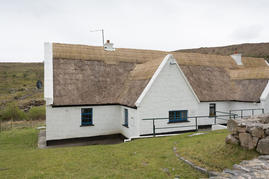 Ben Gower 2 Bed Connemara Thatched Country Cottage