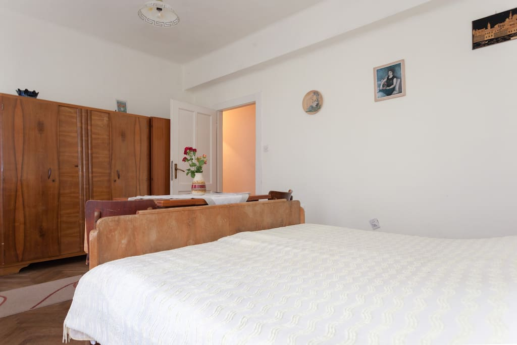 Double room with balcony and shared bathroom