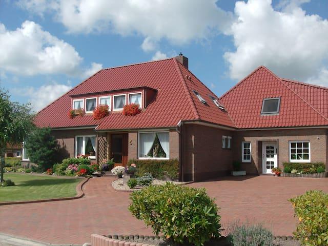 Moderne Fewo an der Nordseeküste - Esens - Huoneisto
