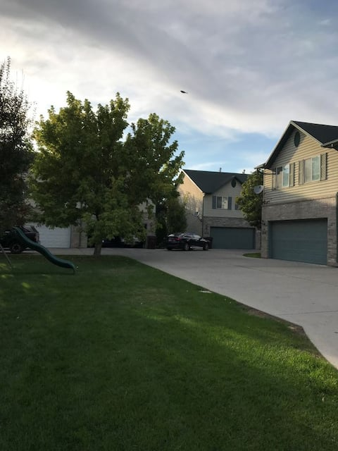 Brand new cozy townhouse-central of Salt Lake