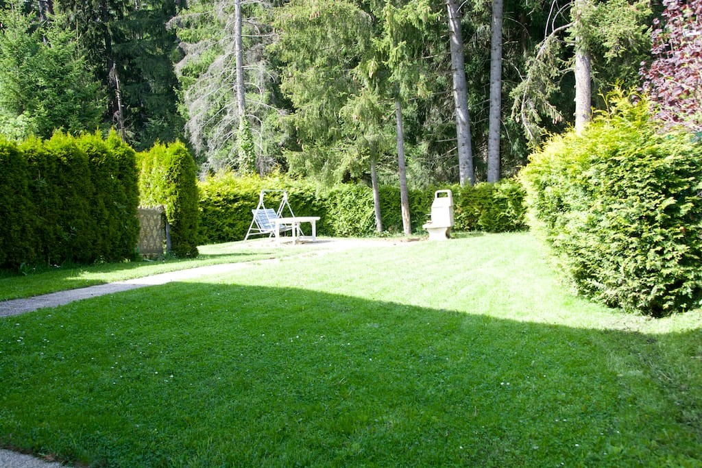1er étage : jardin bucolique, côté forêt / nord