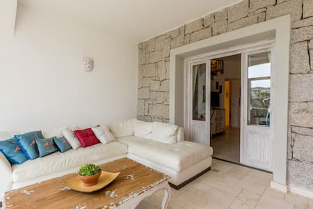 garden villa,1.8 km from the beach - Lu Fraili - 独立屋