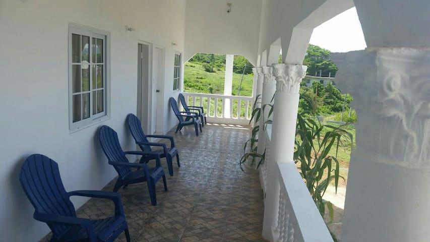 Villa Juanita Room 5