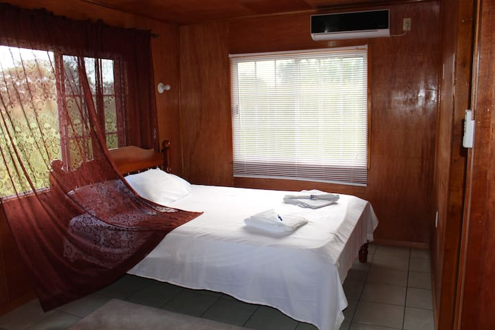 Lamanai Riverside Retreat River Front Cabin