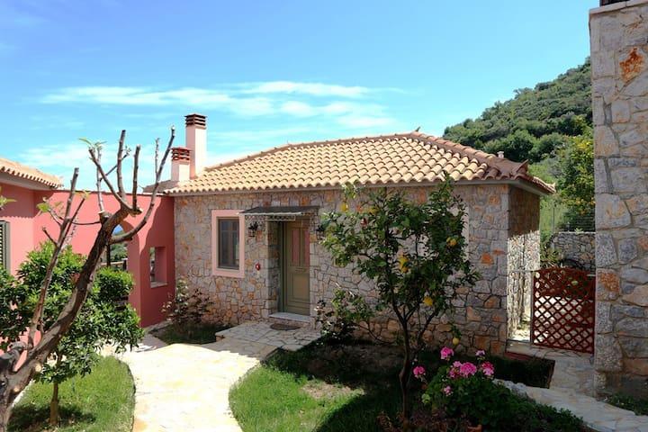 """VIGLA"" 3 B/R VILLA WITH GARDEN - Leonidio - House"
