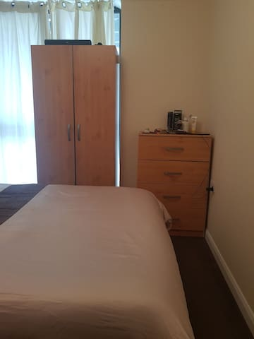 Comfortable Double Room in Bow CLOSE TO EVERYTHING