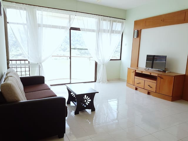 Eden Fairway/Cozy/Best Location/High Floor/Air-con