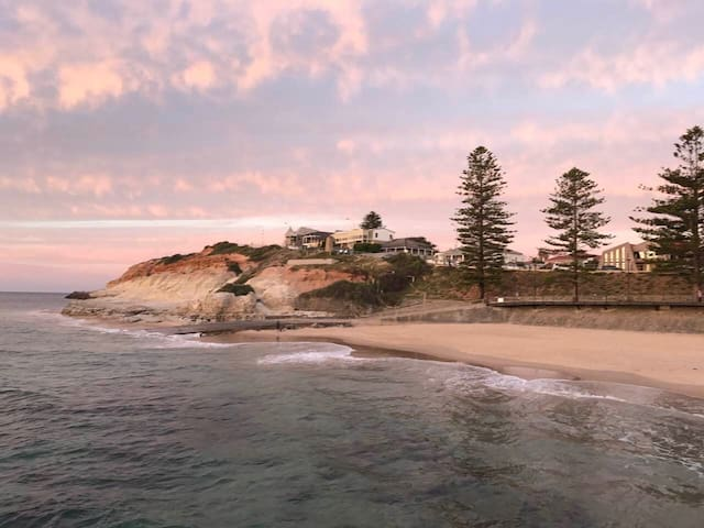 Walking distance to beautiful Beach - Port Noarlunga