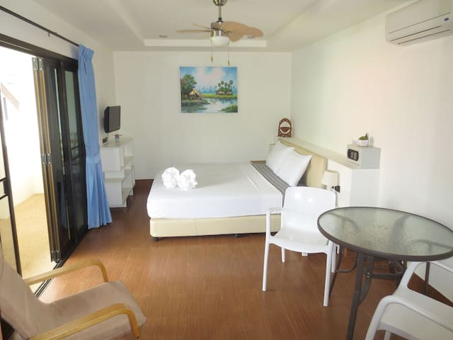 Family friendly apartment M, 50 m to the beach