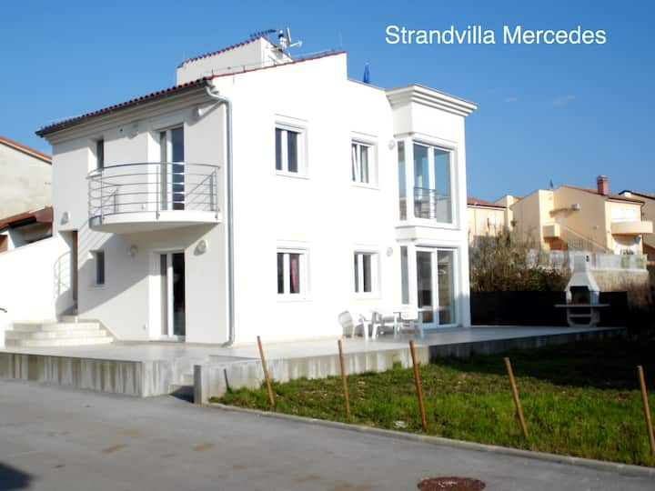 Strandvilla Mercedes am Badestrand