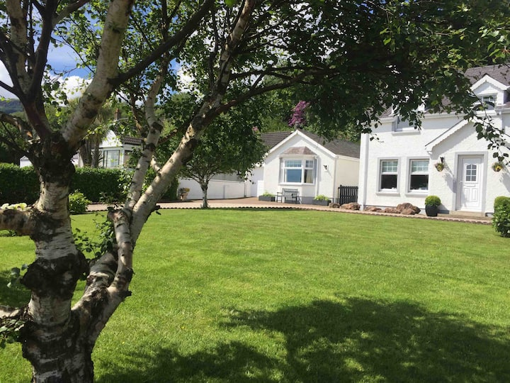 Self catering cottage, stunning sea views  Corrie.