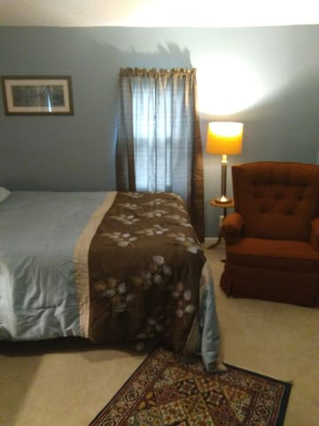 one Queen bed room # 3