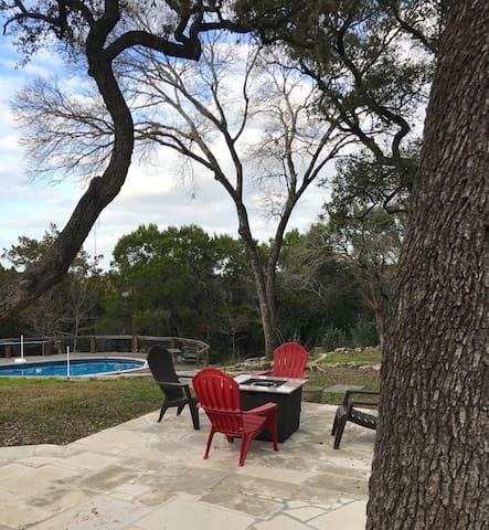 Fun Lake Travis Home with Austin Vibe and pool!
