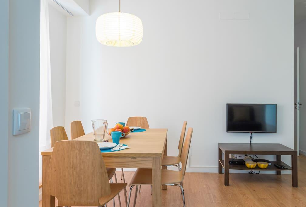 Spacious dining room for 6 / Grande salle à manger pour 6 / Sala de jantar espaçosa para 6