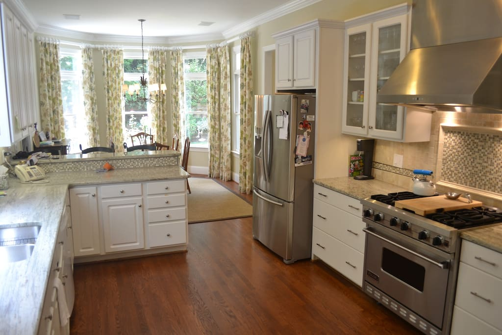 Whip up a some style using the Viking & granite tops