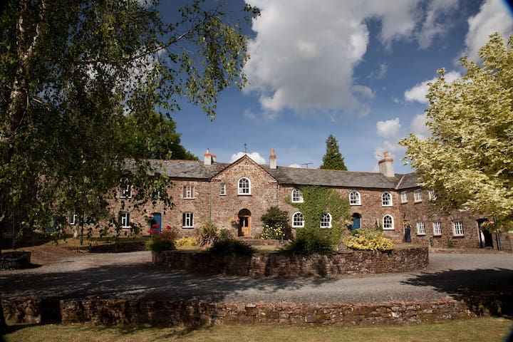 Unique Grade 2 listed large house sleeps up to 28