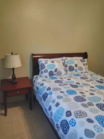 Modesto, Private, Comfortable bedroom 2