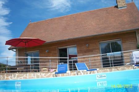 Villa 100M2 4 épis piscine chauffée - Jumilhac-le-Grand