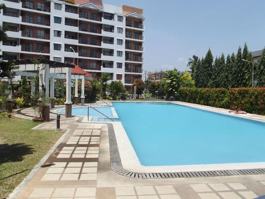 Invigorate yourself with pool laps in the morning or lay on the loungers to top up your tan during the day. Children can play safely with the children's pool.
