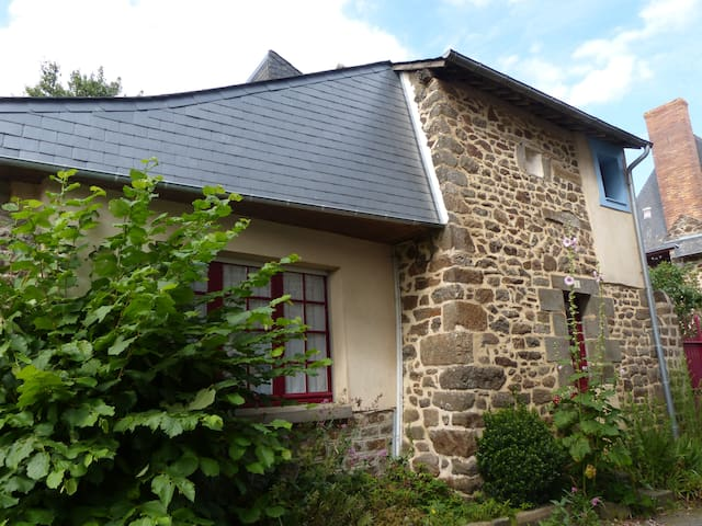 Charming House in hédé - Hédé-Bazouges - Casa