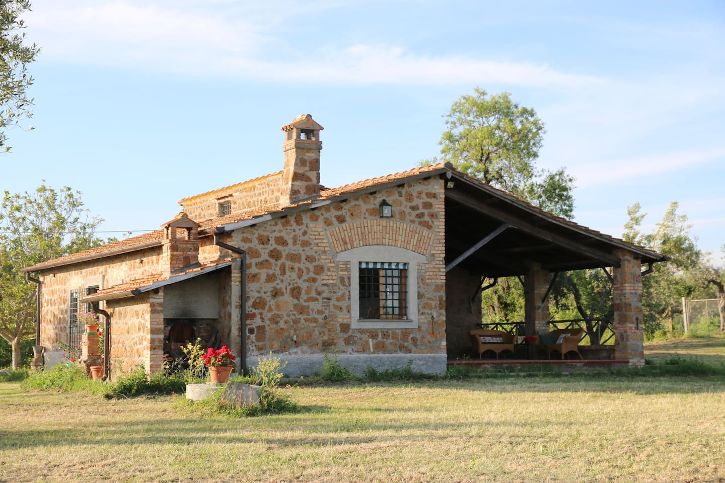 il casale/the farmhouse/la maison
