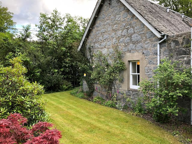 Charming Highland Cottage