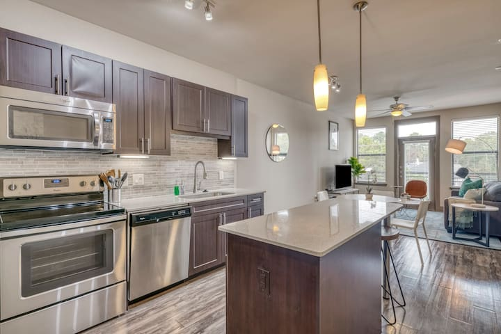 Kasa | Houston | Stylish Urban 1BD/1BA in Westchase District