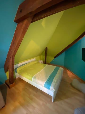 Grande chambre privée à 12km de Rennes