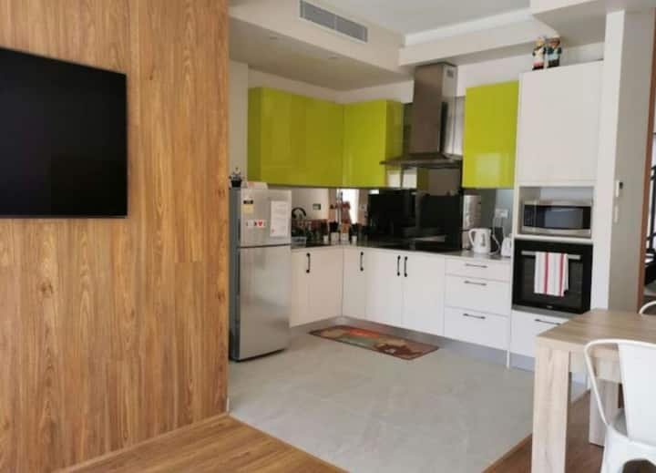 Serviced Villa Waterfront 9 guests