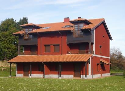 Duplex 6 personas: Playa y montana - Noriega - Leilighet