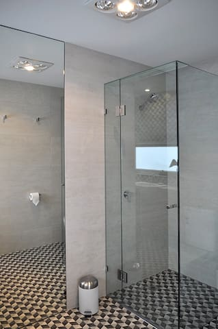New light filled designer bathroom