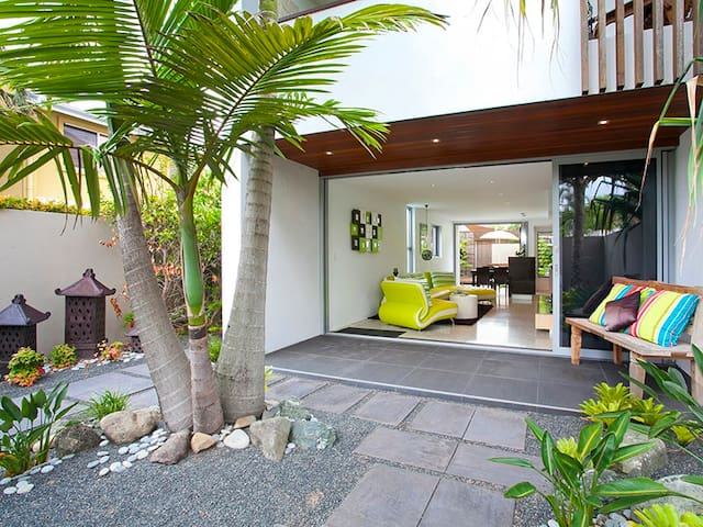 Boutique townhouse in grt location - Noosa Heads - Townhouse