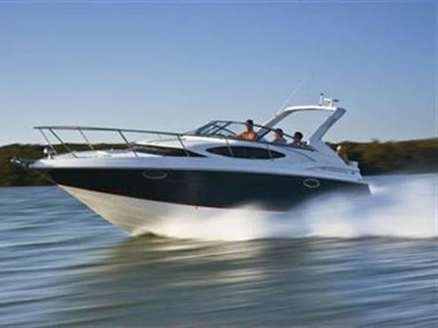 30' Regal Cruiser 4hr Day Trip $990 - Sag Harbor - Barco