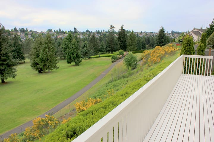 Golfers dream home! - Tacoma - House