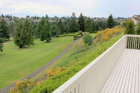 Golfers dream home! - Tacoma - Maison