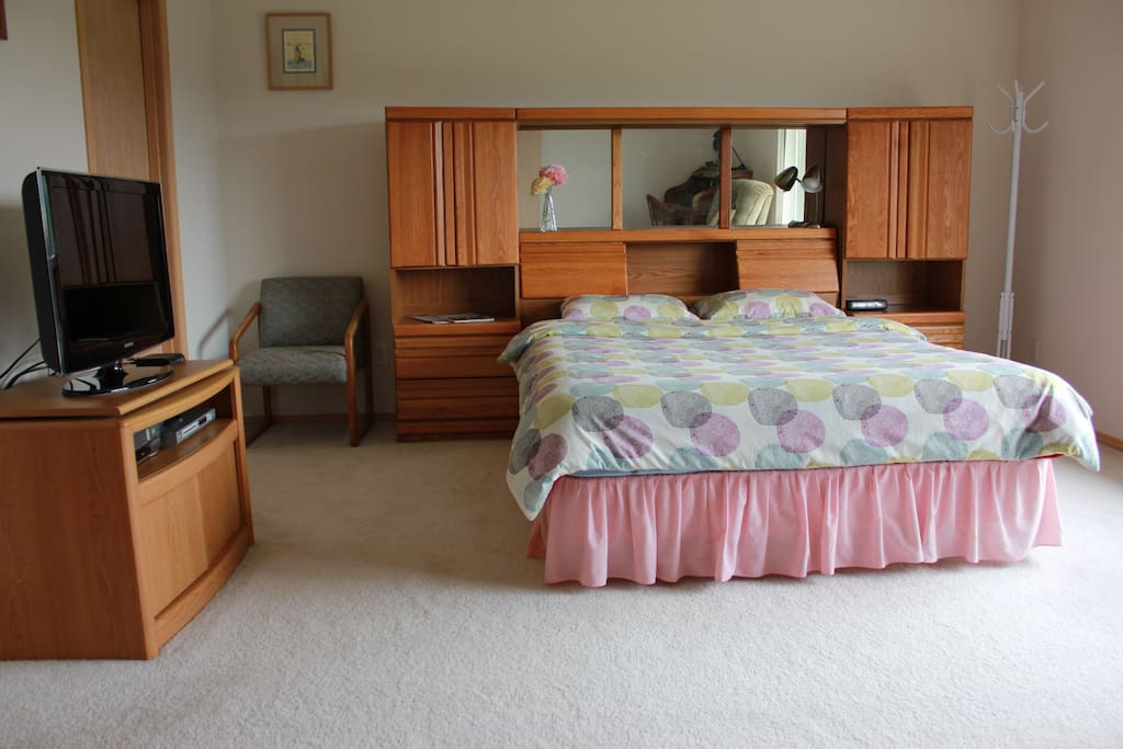Spacious room, complete with a TV and HUGE bed!!!