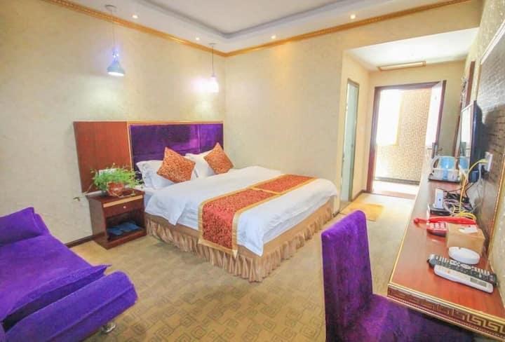悦宾客栈一楼标准大床房独立卫生间