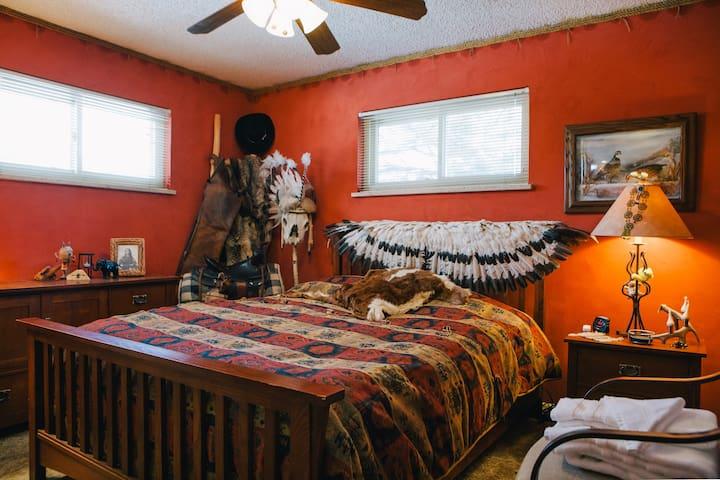 Eclectic Western Bedroom - 420 friendly