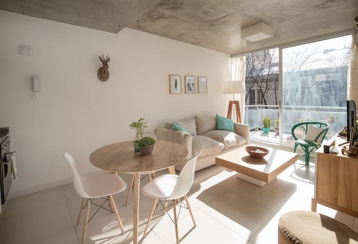 Nice and Modern Apt in Palermo